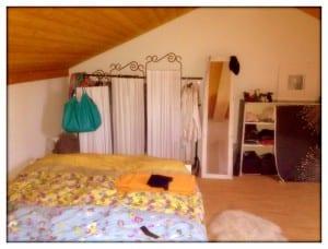 Schlafzimmer mit Abtrennung