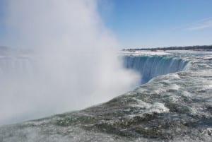 Eis und Wasser-Fall