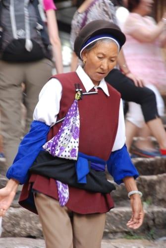 Verkäuferin in Lijiang