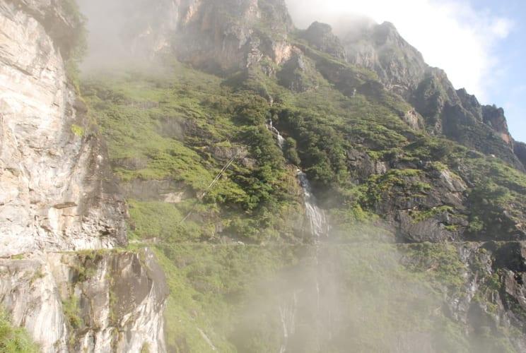 Wasserfall auf unsrem Weg