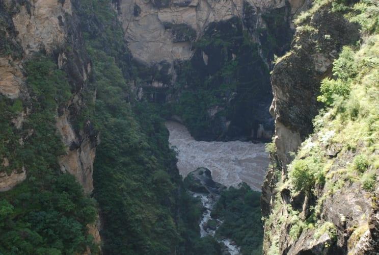 Tiger Leaping Gorge von oben