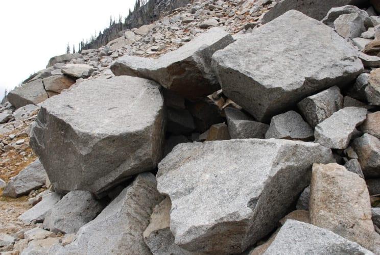 Noch mehr bizarre Felskonstruktionen