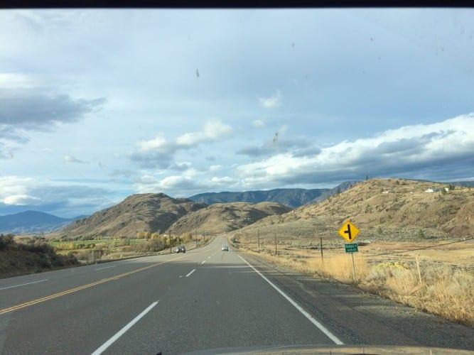 Fahrt im Wüstengebiet
