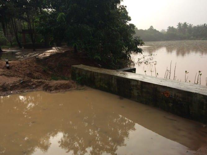Der Teich steigt drastisch