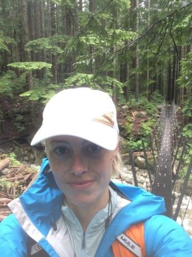 Fraue Seewald im Wald