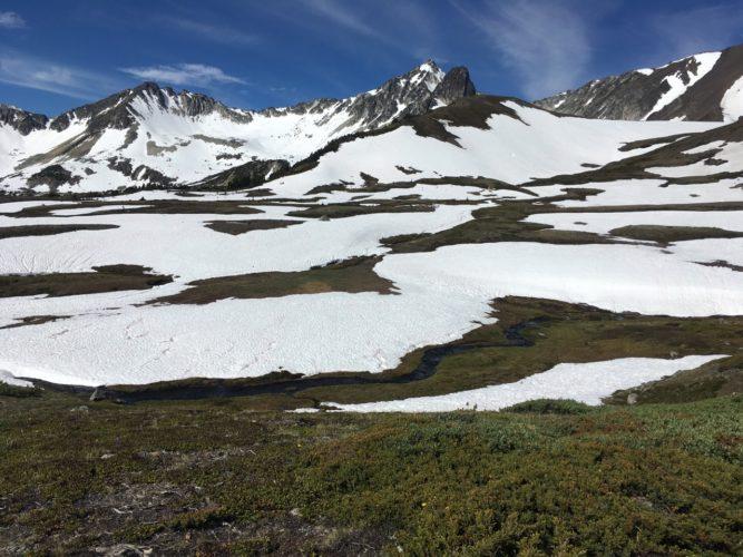 Schnee am Gipfel