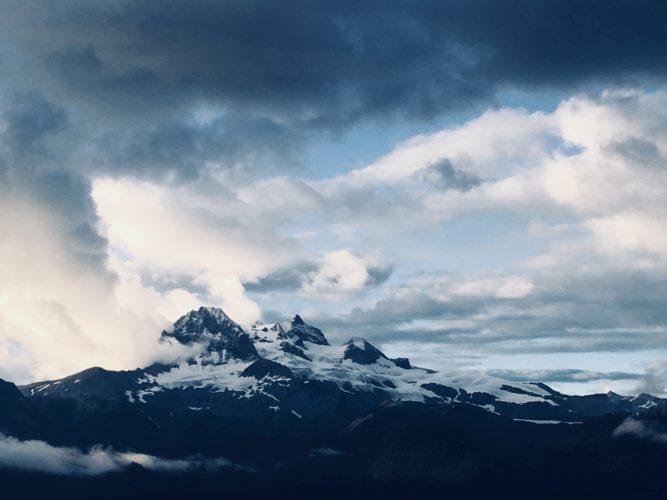 Dramatische Berge